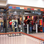 mall front 000404-010