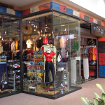 mall front 000404-012